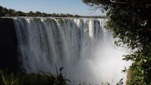 victoria-falls-zambezi-2